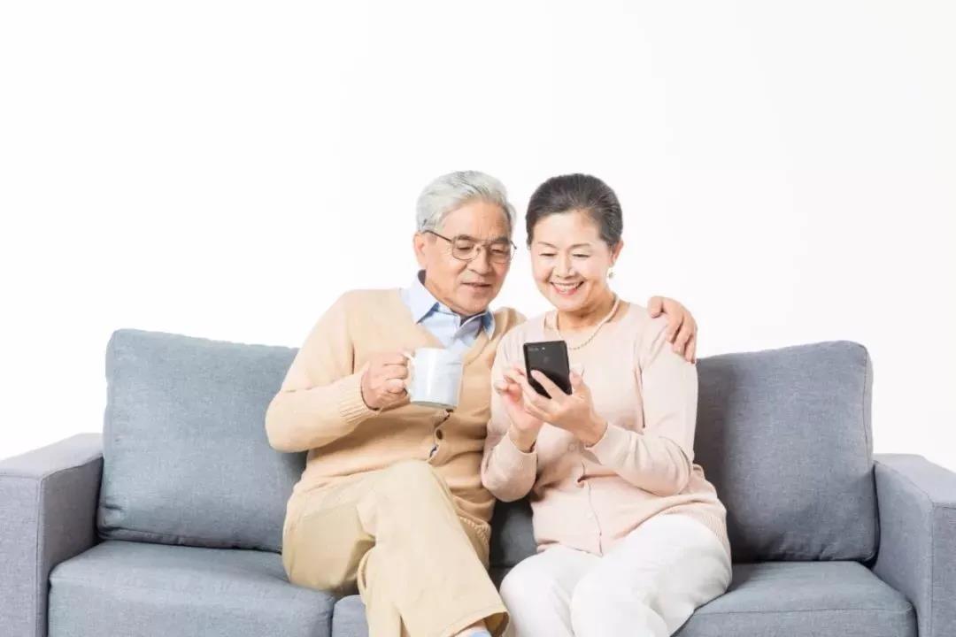 """中老年触网需求不断提升,  线上学习成为新型""""享老""""方式"""